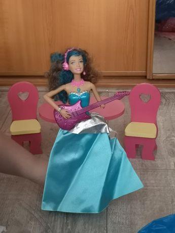 Śpiewająca lalka z bajki księżniczki
