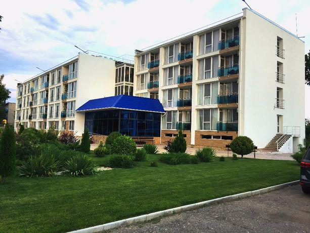 Продажа VIP–отеля на средней косе, первая линия, собственный пляж.