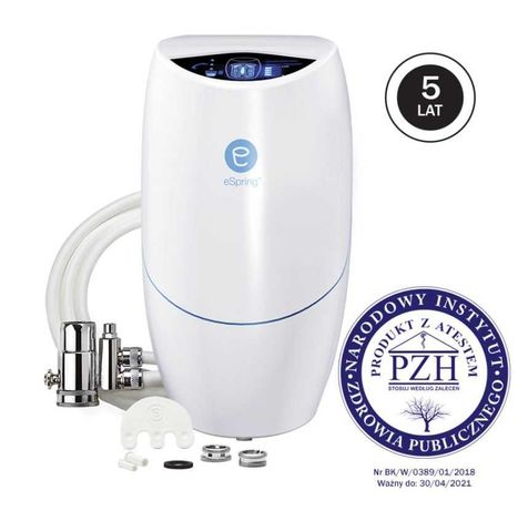 Filtr wody z zaworem instalowanym na istniejącą wylewkę kranu eSpring™