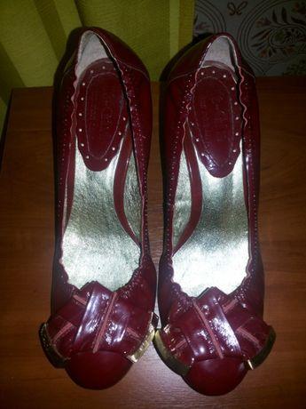 Лакированные нарядные туфли марсалла