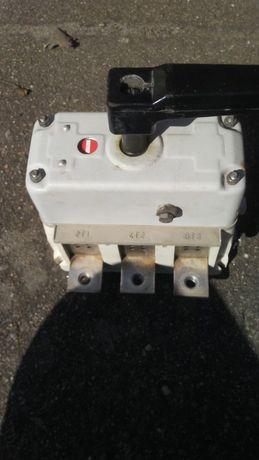Rozłącznik (wyłącznik główny) 400A