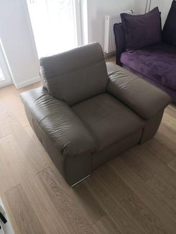 Fotel skórzany. Duży, wygodny.
