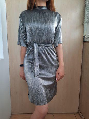 Новогоднее блестящее платье от Bershka