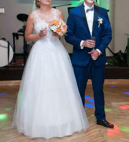 Suknia ślubna szyta na miarę.