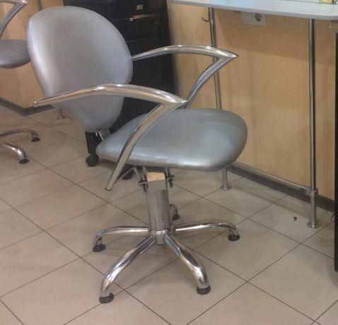 Продам парикмахерское кресло 3 шт