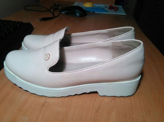 Туфли лаковые 37 размер.