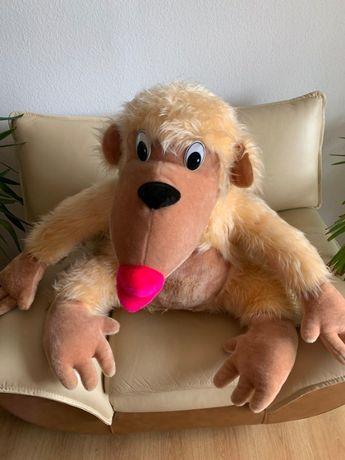 Игрушка мягкая обезьяна.