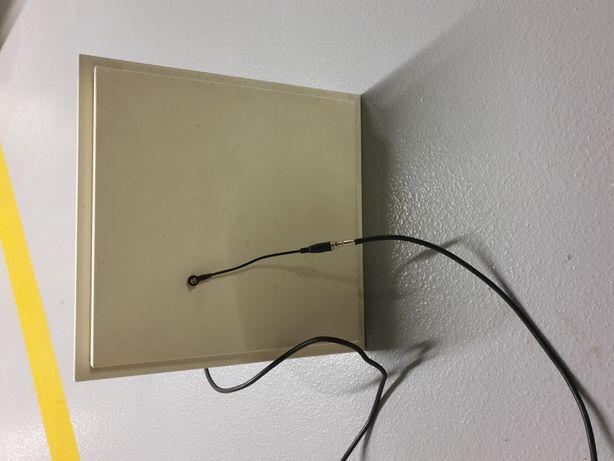 Antena kierunkowa HSPA+/3G/UMTS/HSDPA 17dBi Modem