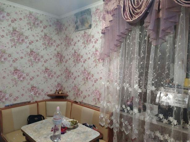 Продам 1ком. квартиру в центре п.Солоницевка.