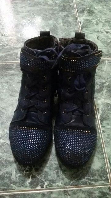 Деми ботинки 37 розмер