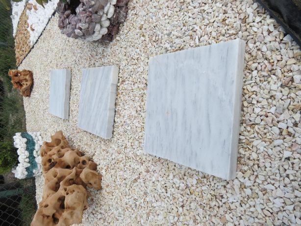 Kamień ogrodowy, Grys, Otoczaki, Kora kamienna, Głazy, Trepy ogrodowe.