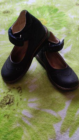Продам туфельки и ботиночки