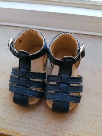 Vendo sandálias azuis da KNOT