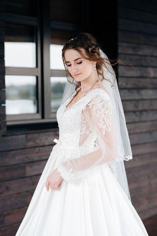 Продаю весільну сукню!