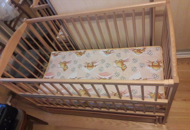 Продам детскую кровать-маятник+ матрас