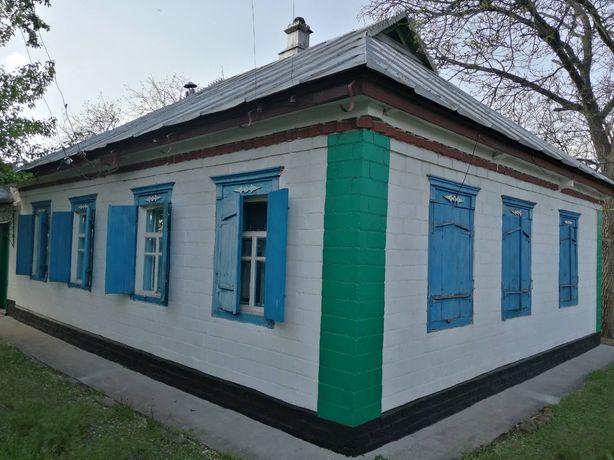 Продам дом в селе Ялинци
