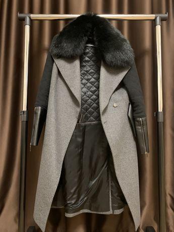 Пальто итальянское со съемным мехом!