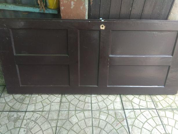 Дверь деривяная входная