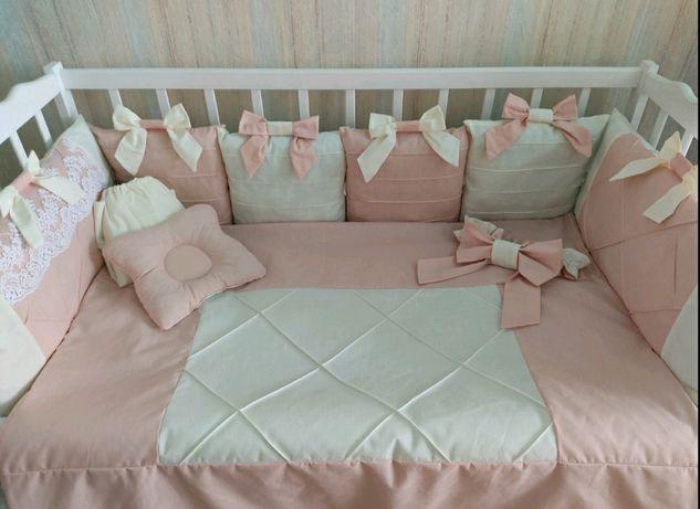 Постельное в кроватку, бортики, косичка