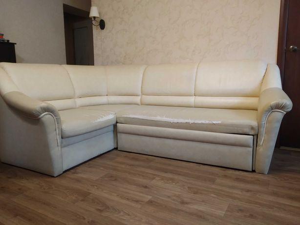 Угловой диван,б/у.