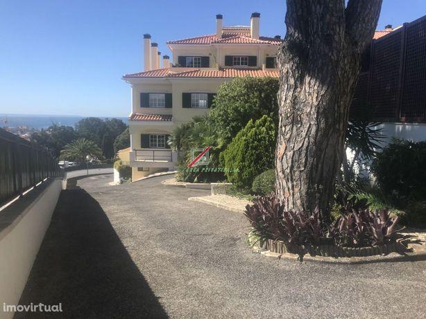 Apartamento - Condomínio Monte Estoril