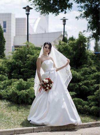 Свадебное платье Daria Karlozi 42 р.