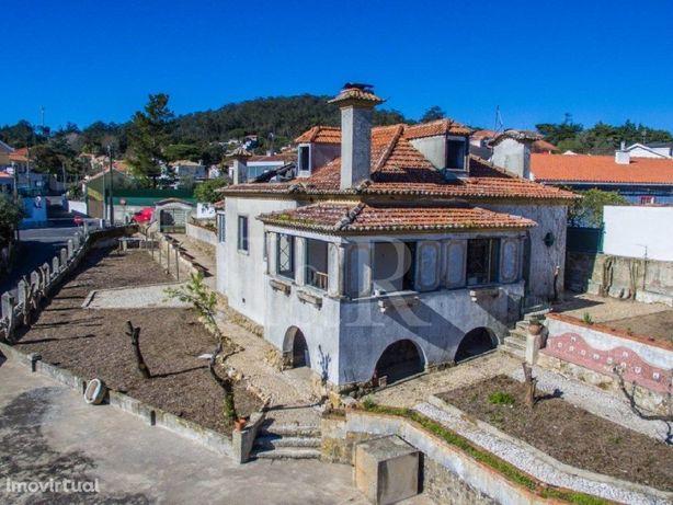 Solar T6 para recuperar em Vale de Lobos, Sintra