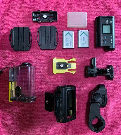 Екшн камера Sony з аксесуарами Sony