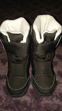 Buty kozaki Quechua z Decathlonu czarne rozmiar 28