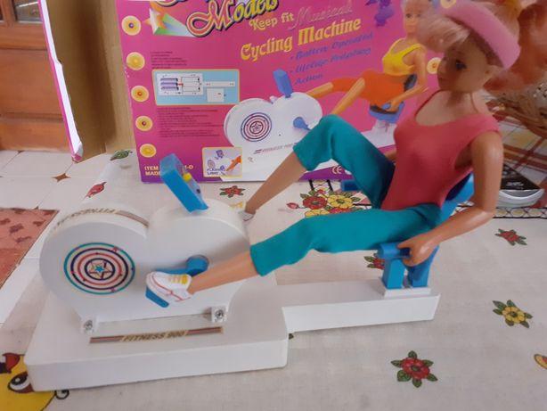 Barbie ginasta que pedala e canta