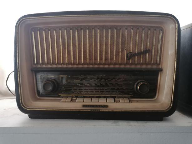 Rádio a valvulas gavotter