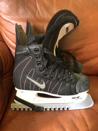 Прода коньки Nike 37 размер