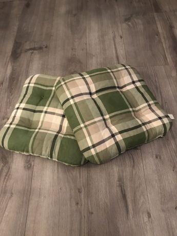 Poduszka zielona kratka krzesło