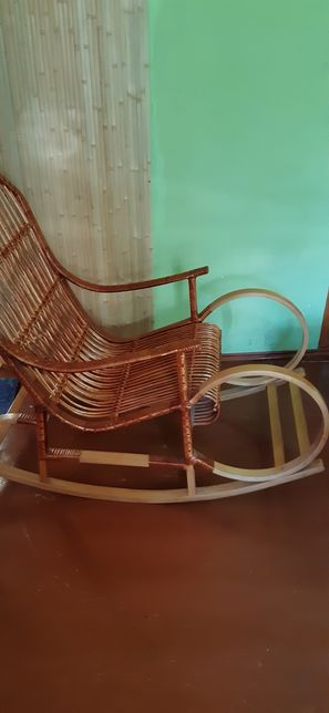 Продам кресло-качалка