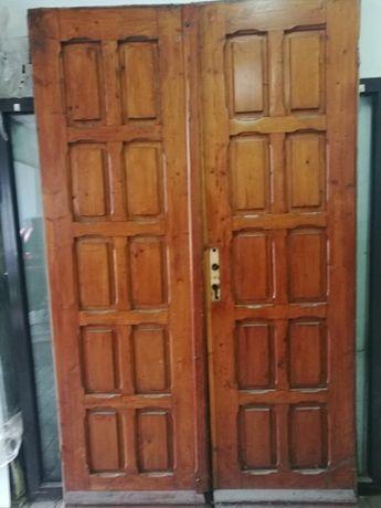 Sprzedam drzwi drewniane dwuskrzydłowe