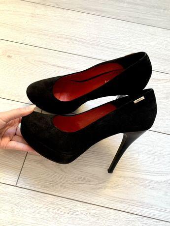 Туфли женские 39р Badura