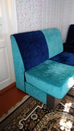 Продаю диванчики