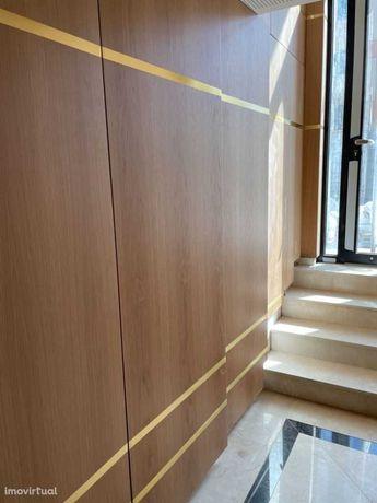 Apartamento T3 de Luxo Padrão da Légua