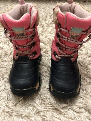 Зимове взуття для дівчинки фірми картерс!