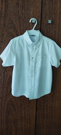 Camisa branca tamanho 3-4 manga curta
