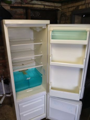 Продам холодильник б у Ардо
