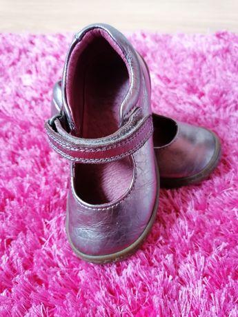 Sapato Tam 22 em pele