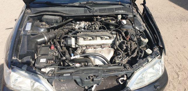 Honda accord 6 silnik 1.8 na czesci lub stolik f18b2