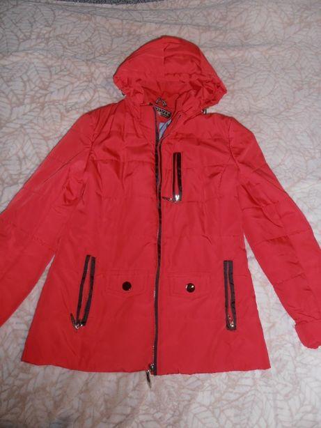 Куртка демисезонная красная женская