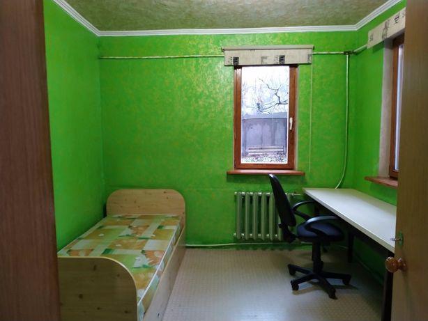 Сдам 2-х комнатную квартиру в частном доме.
