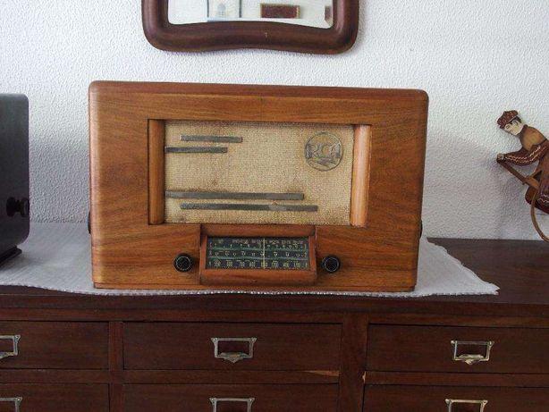 Radio antigo RCA