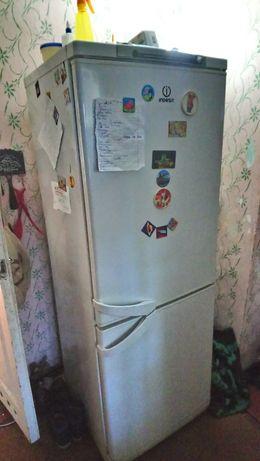 Холодильник ,нерабочий