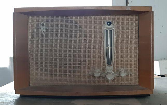Радиоприёмник Рига 10 (Riga-10) 1954 г.