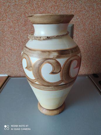 Duży brązowy wazon