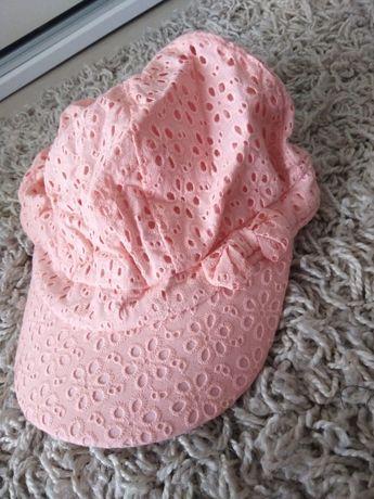 Ażurowa czapka z daszkiem dla dziewczynki 54/56